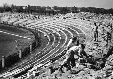 Wiederaufbau des Ludwigshafener Südweststadions 1949